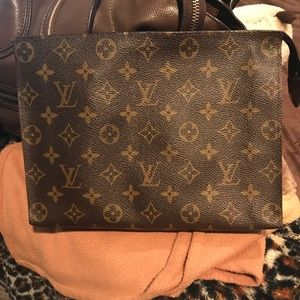Louis Vuitton Toiletry Pouch 26 - good condition